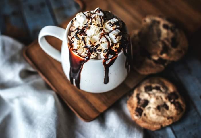 Deliciul sezonului! Rețetă pentru ciocolată cu lapte de soia și scorțișoară