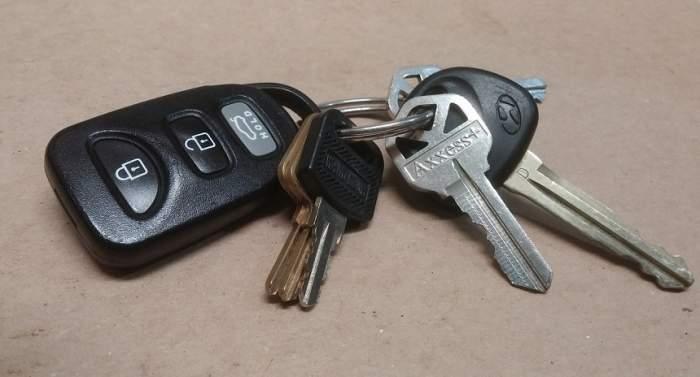 Trebuie neaparat să-ți înfășori cheile de la mașină în staniol. Explicaţia dată de specialişti te va pune pe gânduri