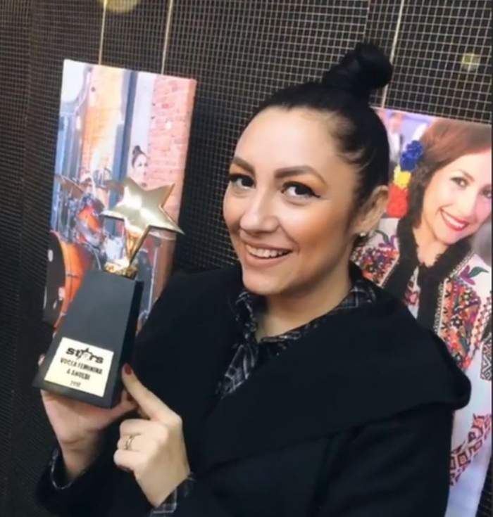 """VIDEO / Reacţie de excepţie a Andrei după ce a primit premiul """"Vocea feminină a anului 2017"""" oferit de Antena Stars"""