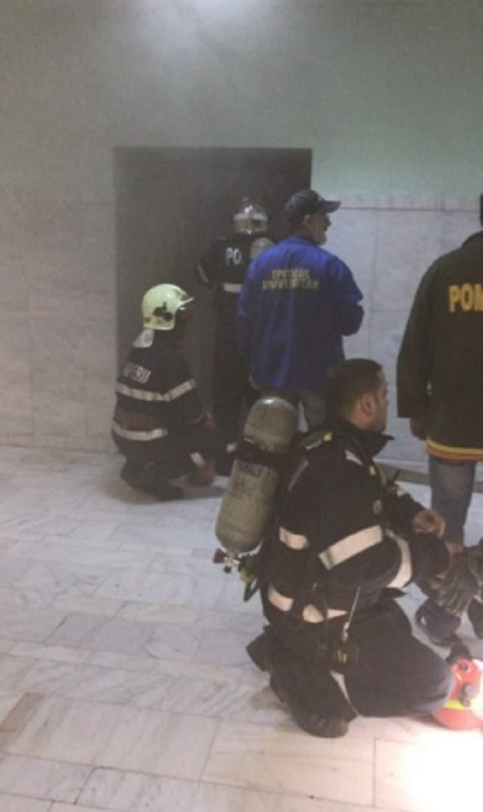 Incendiu la Spitalul Universitar! Mai multe echipaje de pompieri acţionează