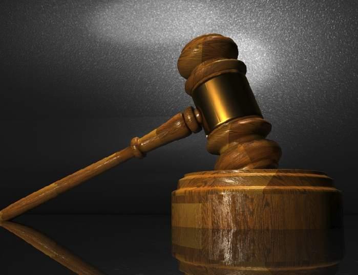 Cine este judecătoarea din Pitești care a încercat să se omoare! Şi-a tăiat venele şi a băut detartrant