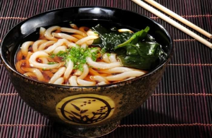 REȚETA ZILEI: Supa miso japoneză cu ghimbir proaspăt