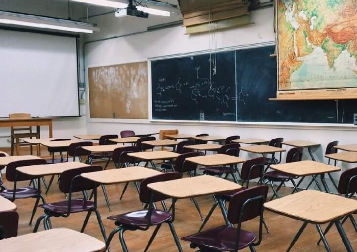Şcolile din mai multe judeţe, închise vineri, din cauza condiţiilor meteo!