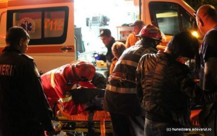 Accident rutier mortal, produs de o tânără de 25 de ani! O femeie de 32 de ani şi-a pierdut viaţa, iar alţi trei tineri au suferit răni grave