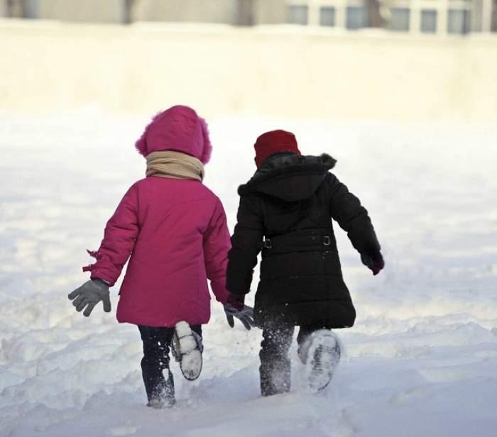 Școlile vor fi închise vineri, în București. Unde îi pot lăsa părinții pe cei mici, dacă nu au cu cine să rămână acasă
