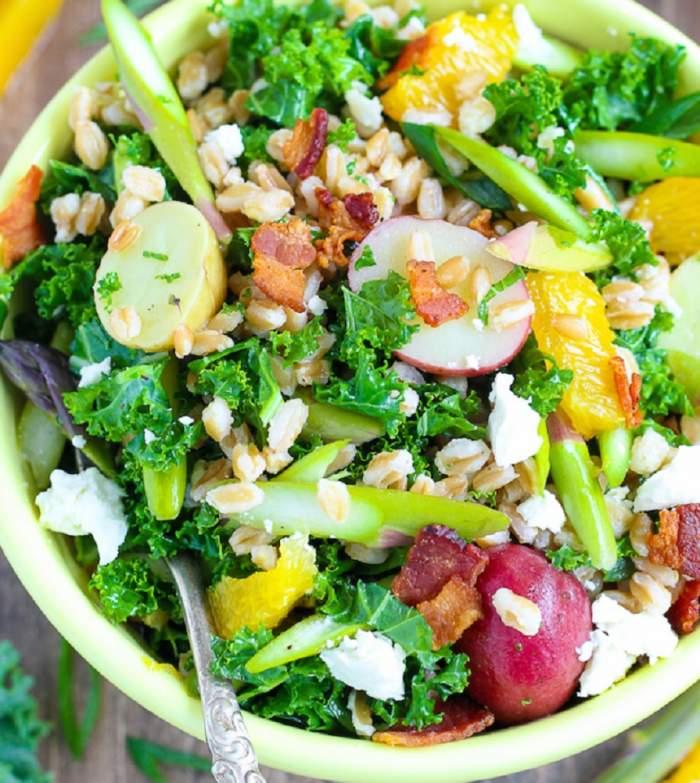 REȚETA ZILEI: Salată fresh cu sparanghel, avocado și portocală