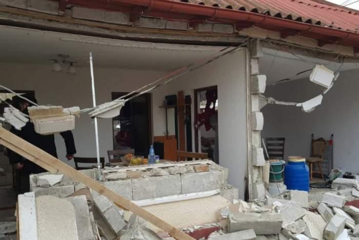 VIDEO / Imagini devastatoare! Două persoane au fost rănite, după ce o casă a fost distrusă de o explozie în Năvodari