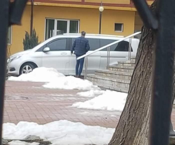 VIDEO / Primele imagini cu Laurențiu Reghecampf, în focul pregătirilor pentru înmormântarea tatălui său