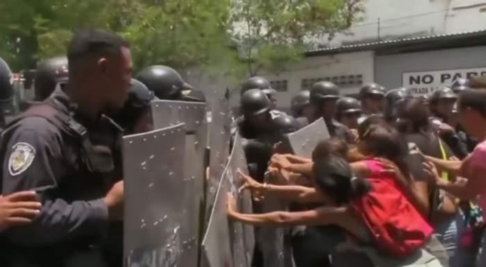 VIDEO / Imagini dezolante! Peste 60 de persoane au murit într-o revoltă dintr-o secţie de Poliţie