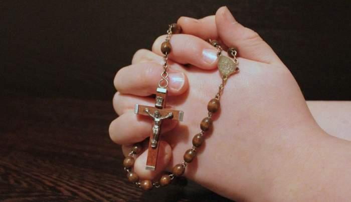 Cea mai puternică rugăciune pe care trebuie să o spui pentru mama ta de 8 Martie