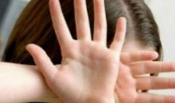 """Fetiţă de 5 ani din Buzău, violată de un adolescent! Tatăl micuţei a """"turbat"""" de mânie"""