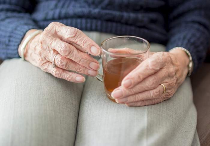Bătrână de 82 de ani, violată şi bătută în toaleta unei biserici din Galaţi în ziua de Paşte. A murit după trei zile
