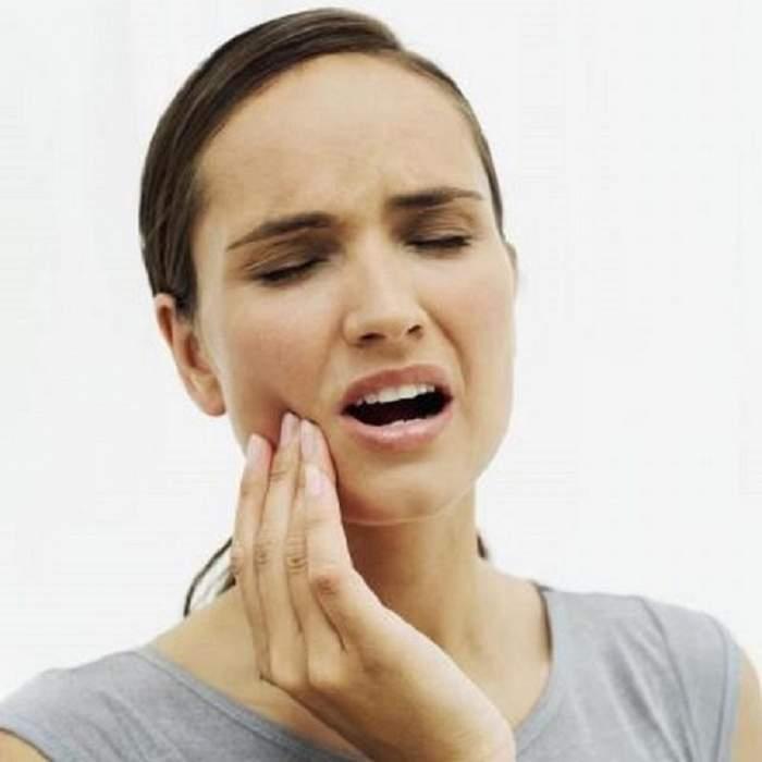 4 modalități de a scăpa instant de durerea de dinți şi de măsele