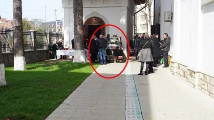 FOTO / Familie din Piatra Neamț, scoasă cu mortul din biserică, în timpul slujbei de înmormântare. Incredibil care este motivul!