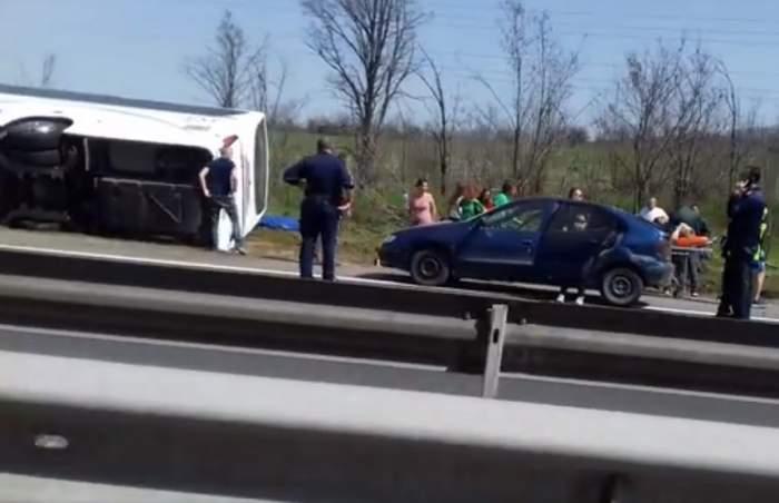 FOTO&VIDEO / 10 morți și 22 de răniți, după ce un autocar plin de turiști a fost izbit de o mașină