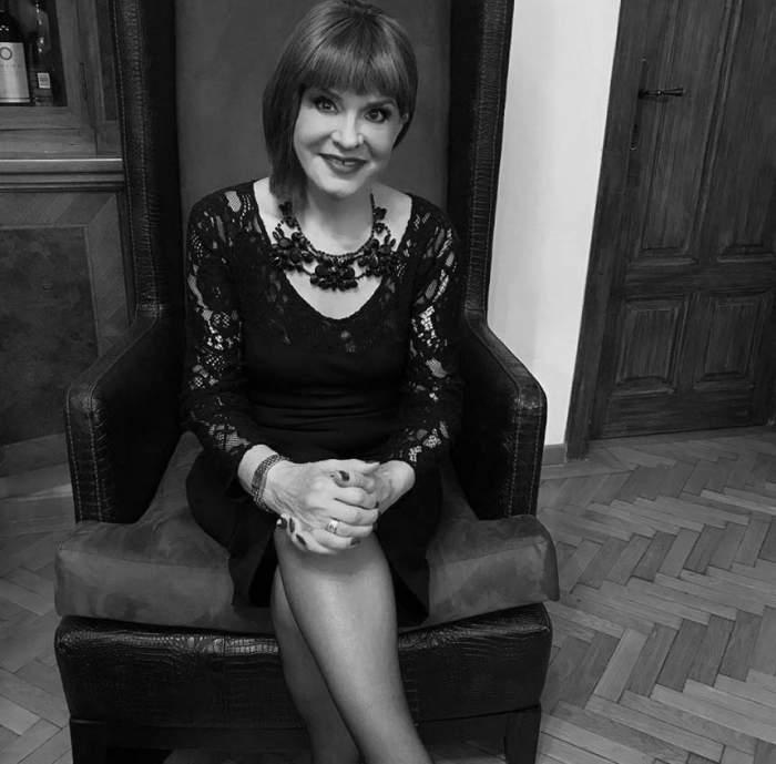 VIDEO / Ce a pus Anamaria Prodan în pachetele pe care le-a împărţit oamenilor la înmormântarea Ionelei Prodan