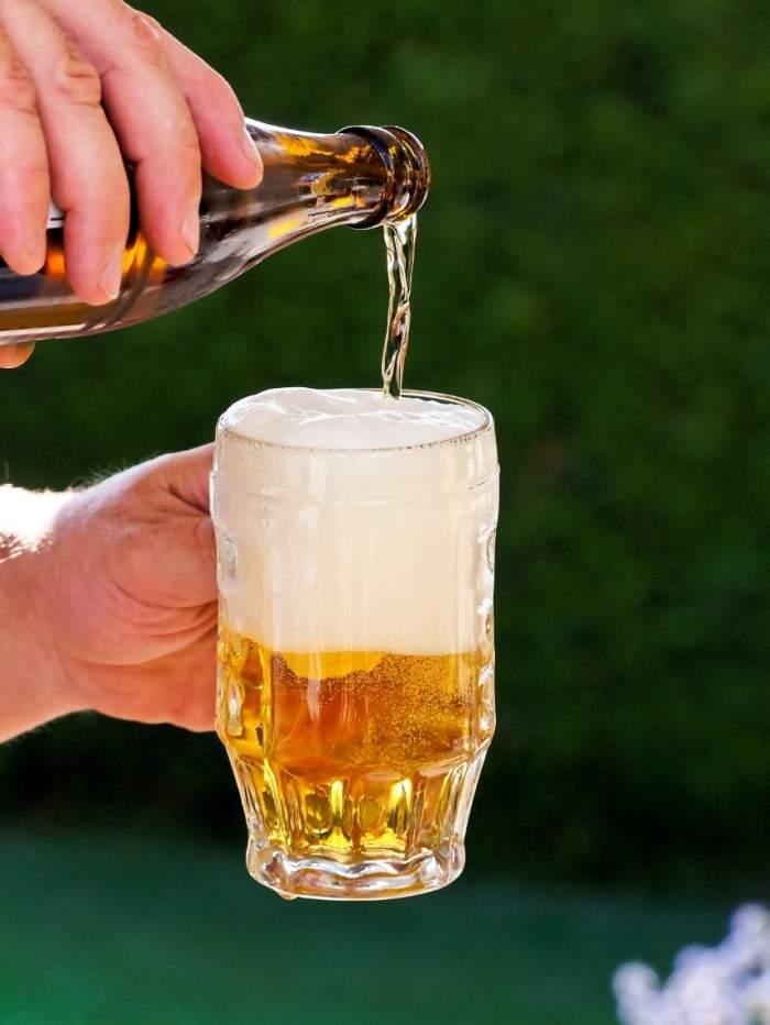 ÎNTREBAREA ZILEI: Ştiai că berea favorizează apariţia unui tip de cancer?