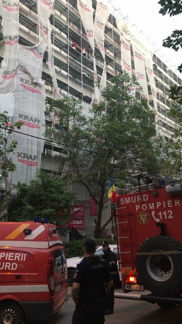 Incendiu devastator în Bucureşti, într-un bloc de locuinţe! Locatarii sunt evacuaţi