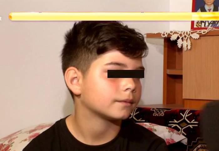 VIDEO / Strigăt de ajutor din partea unui copil de doar 12 ani. Băiețelul o vrea pe mama care l-a abandonat înapoi
