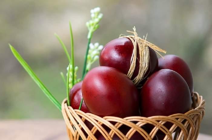 De ce nu este bine să vopseşti ouăle de Paşte în altă culoare decât roşu