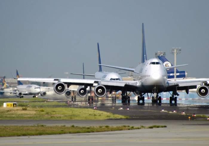 Aterizare de urgenţă pe aeroportul Otopeni! Un bărbat a fost declarat mort