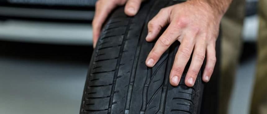 Ghid util pentru soferi: 5 semne care arata ca TREBUIE sa inlocuiesti anvelopele masinii!