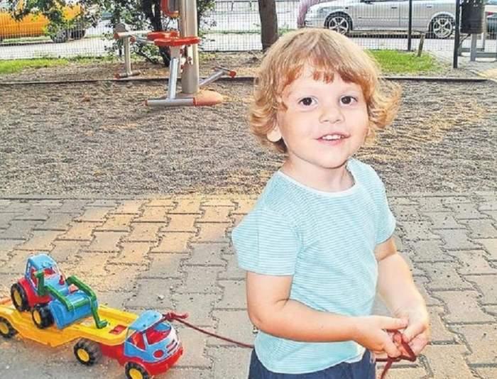 Cum îşi alină suferinţa familia lui Ionuţ Anghel, băieţelul ucis de câini. Tatăl său conduce un bolid de lux