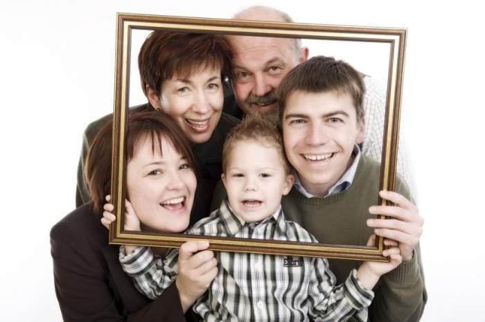 Cum se comportă partenerul cu mama lui? Experții dezvăluie ce înseamnă relația dintre ei pentru cuplul vostru