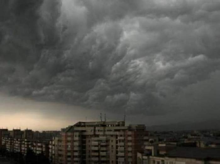UPDATE / ANM a lansat avertizări de ultimă oră: cod galben de ploi și vijelii în mai multe regiuni
