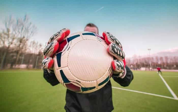 VIDEO / Tragedie în sport! Unul dintre cei mai cunoscuţi portari a fost omorât chiar de un coleg fotbalist