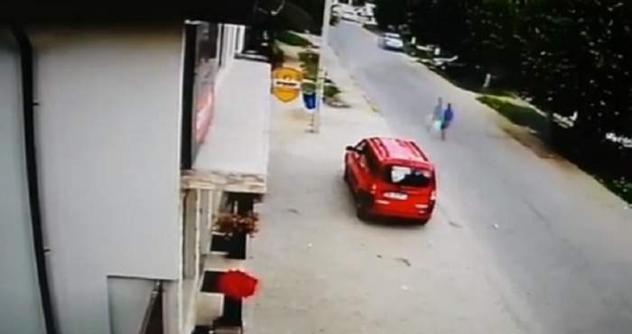 VIDEO / Accident mortal în Dâmbovița. O fetiță de 6 ani a fost lovită de mașină și a murit