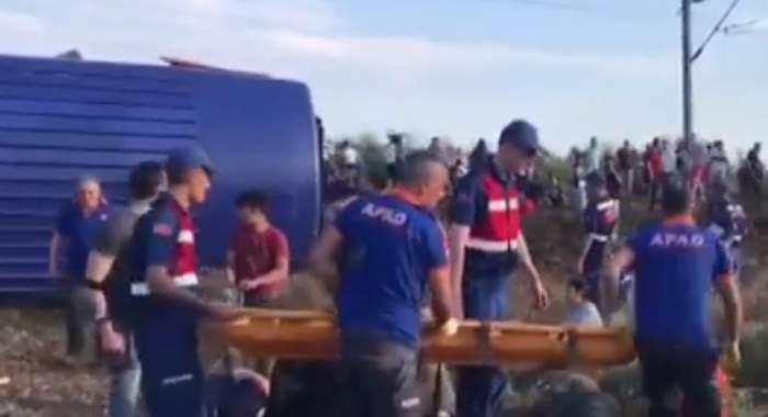 FOTO&VIDEO / Catastrofă pe șine! Mulți morți și răniți, după ce un tren cu 300 de pasageri a deraiat