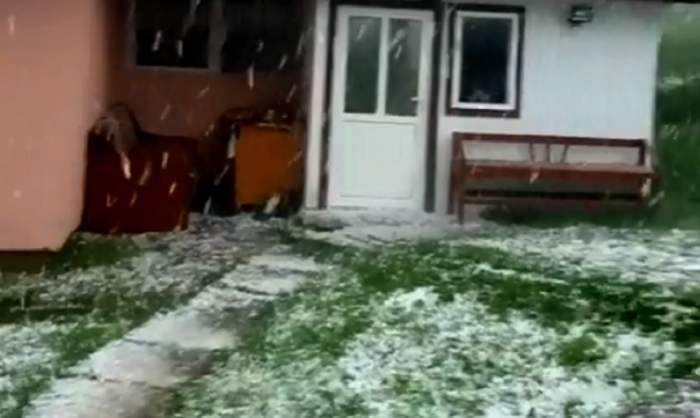 """VIDEO / Imagini incredibile la Măgura, în mijlocul lunii august. """"Nu am mai pomenit aşa ceva"""""""