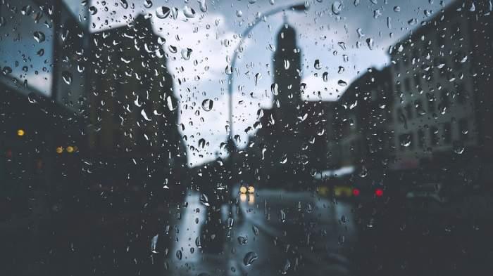 UPDATE / Cod galben de vijelii și ploi, cu efect imediat! Meteorologii nu au vești bune