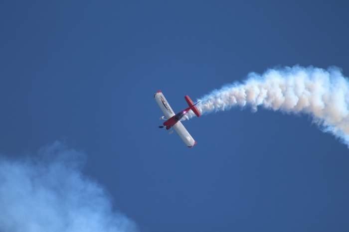 Tragediile aviatice se țin lanț! Până la 20 de persoane au murit, după ce un avion s-a prăbușit