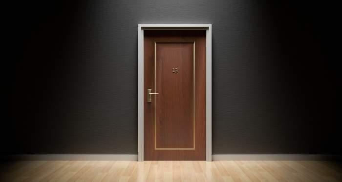Nu cumva să deschizi ușa, dacă vezi ASTA pe vizor! Este fenomenul care a îngrozit o lume întreagă