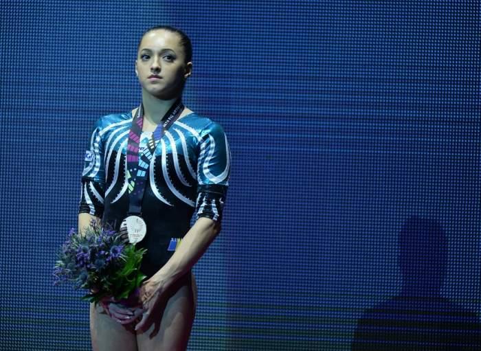 FOTO / Larisa Iordache, apariţie devastatoare în costum de baie! Gimnasta a făcut senzaţie la piscină