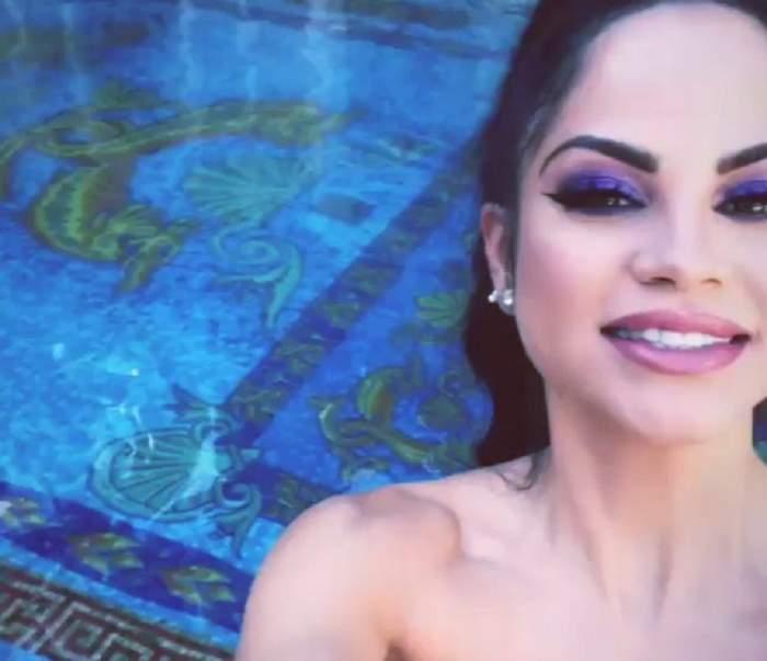 FOTO / Cântăreață celebră, cu posteriorul la înaintare! S-a pozat în costum de baie, pe un yaht de lux