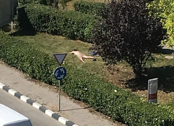 FOTO / Tânără de 21 de ani, goală pe stradă, în Giurgiu. Explicaţia ei este halucinantă