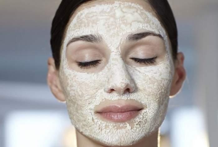Masca 2 în 1! Exfoliază şi calmează pielea de la prima utilizare