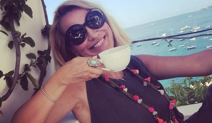 Andreea Esca, la plimbare pe lacul Snagov cu o șalupă de lux! Cât a costat ambarcațiunea comandată special din SUA