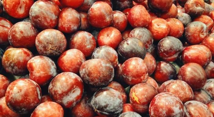 Mai benefice decât credeai! Prunele sunt o oază de vitamine
