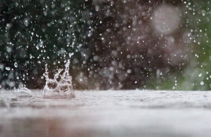 UPDATE: Toamna pune stăpânire pe România! Cod galben de ploi şi vânt în mai multe zone