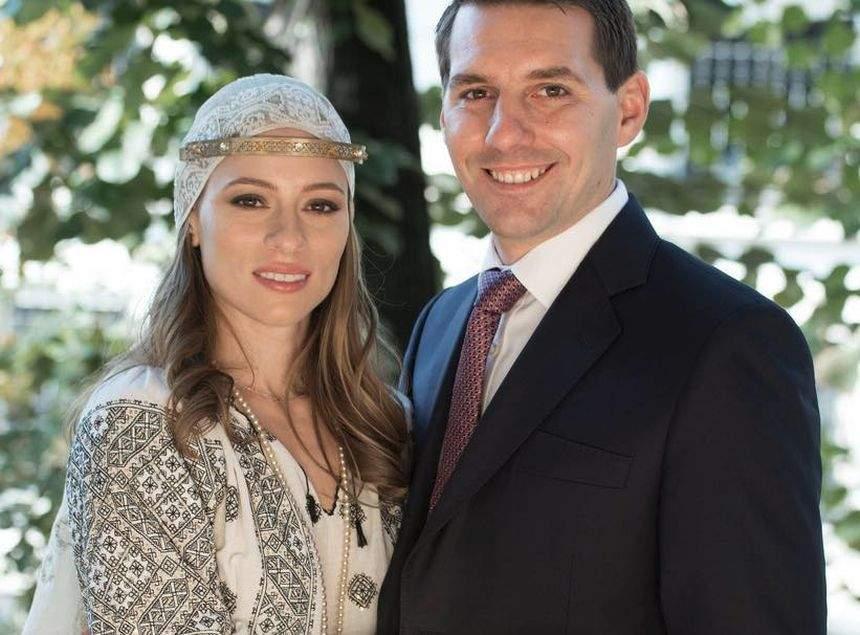 FOTO / Avem primele imagini de la nunta din weekend! Fostul Principe Nicolae şi Alina sunt cu sufletul la gură!