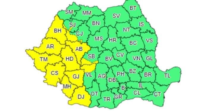 Vijelii, grindină şi descărcări electrice. România, lovită de ciclon
