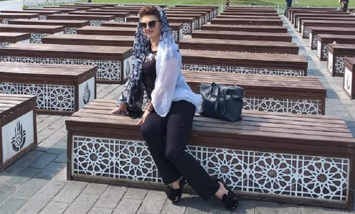 FOTO / Cornelia dansatoarea, apariție de senzație în Turcia! Nici când merge la moschee nu lasă șmecheria
