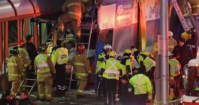 Un autobuz a intrat în acoperișul unei stații din Ottawa! Sunt peste 20 de răniți și 3 morți