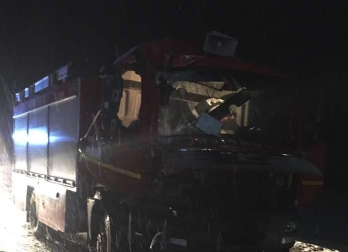 FOTO / Un nou accident în Cluj! O autospecială de pompieri s-a ciocnit cu un TIR