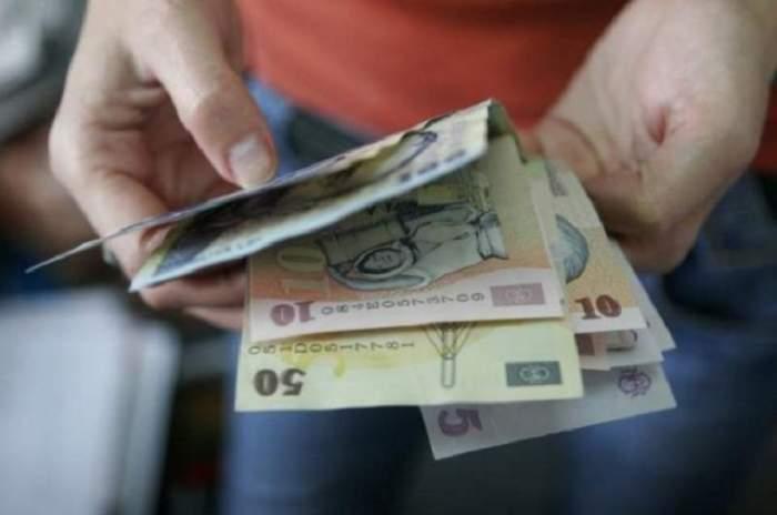 Vești bune pentru mii de români! Cum poți obține concediu pe un an și indemnizație lunară de 1700 de lei