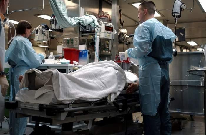 VIDEO / Situaţie incredibilă în Spitalul Judeţean din Craiova! Pacienţii ţinuţi în frig şi-au adus radiatoare de acasă